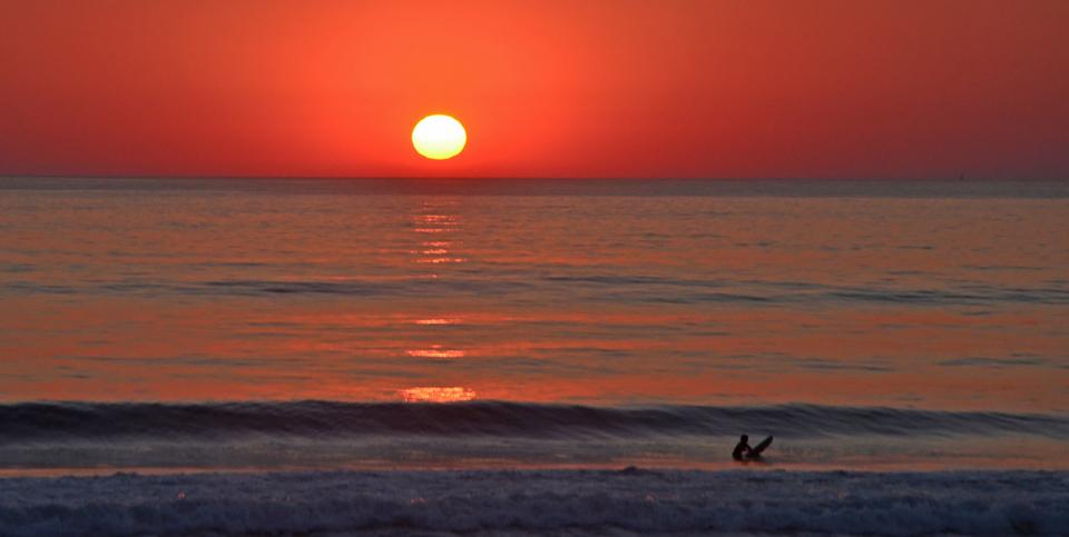 Ecole surf gold coast hendaye st jean luz surf et paddle - Lever et coucher du soleil est ouest ...